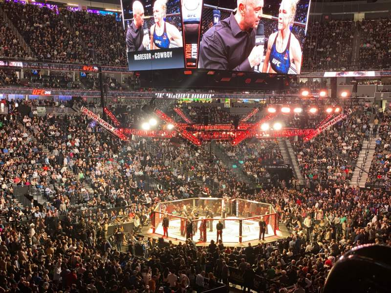 Uitzicht voor T-Mobile Arena Vak 3 Rij WC1 Stoel 4