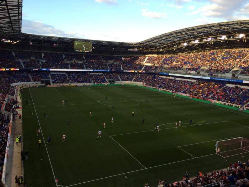 Red Bull Arena, vak: 202, rij: 11, stoel: 31