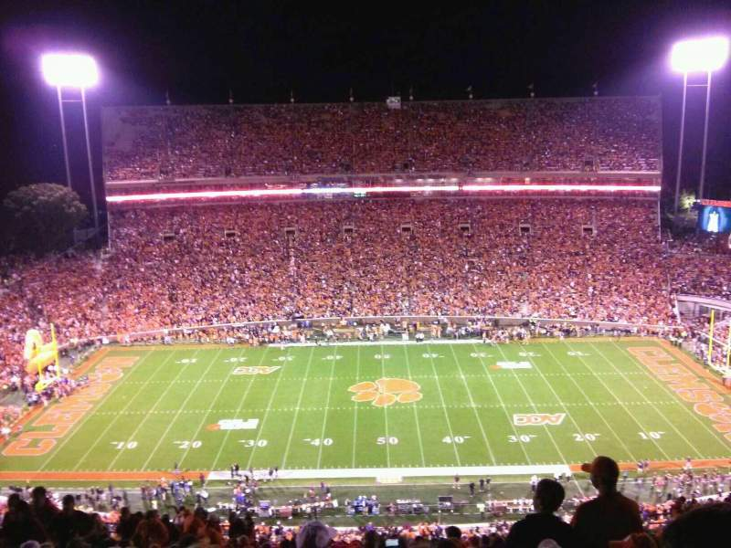 Uitzicht voor Memorial Stadium, Clemson Vak TDO Rij T Stoel 19