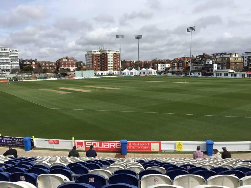 County Cricket Ground (Hove), vak: C, rij: Q, stoel: 50