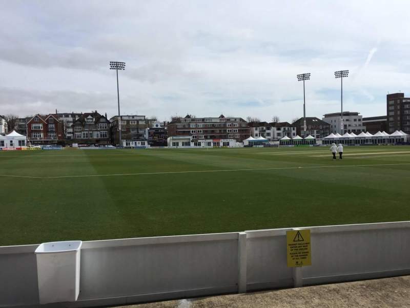 County Cricket Ground (Hove), vak: Grandstand G, rij: C, stoel: 95