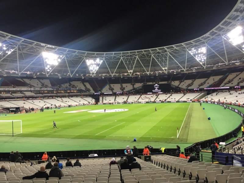 London Stadium, vak: 127, rij: 22