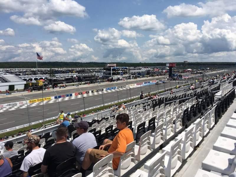 Pocono Raceway, vak: 237, rij: 33, stoel: 16