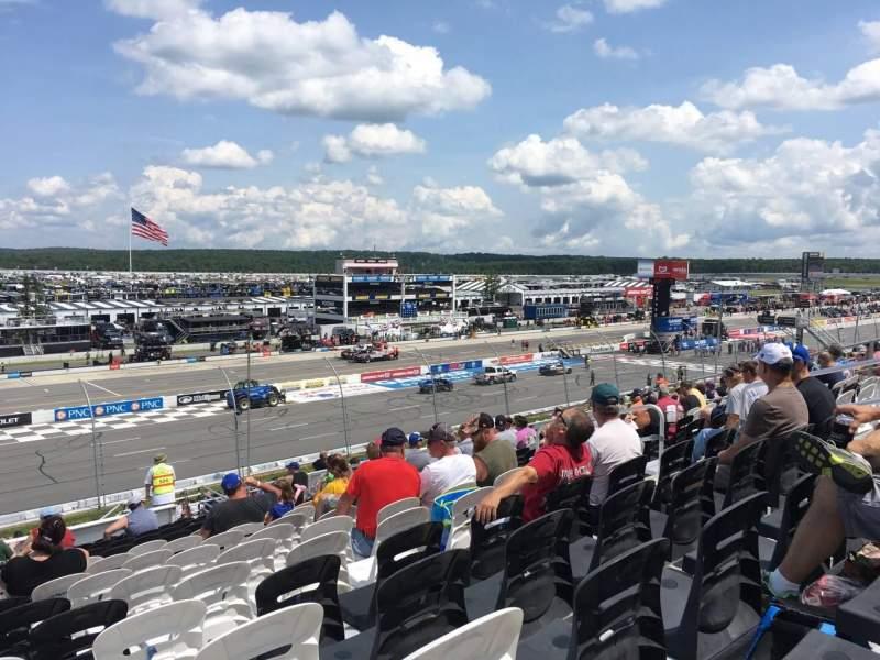 Pocono Raceway, vak: 233, rij: 34, stoel: 9