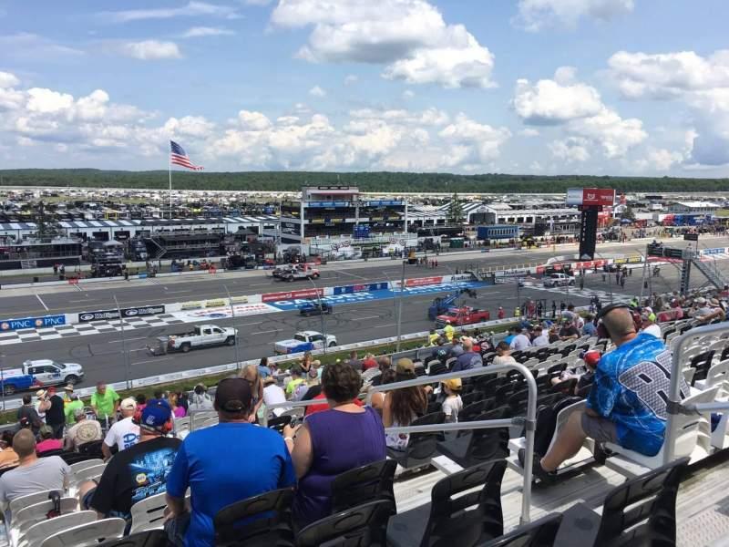Pocono Raceway, vak: 231, rij: 40, stoel: 4