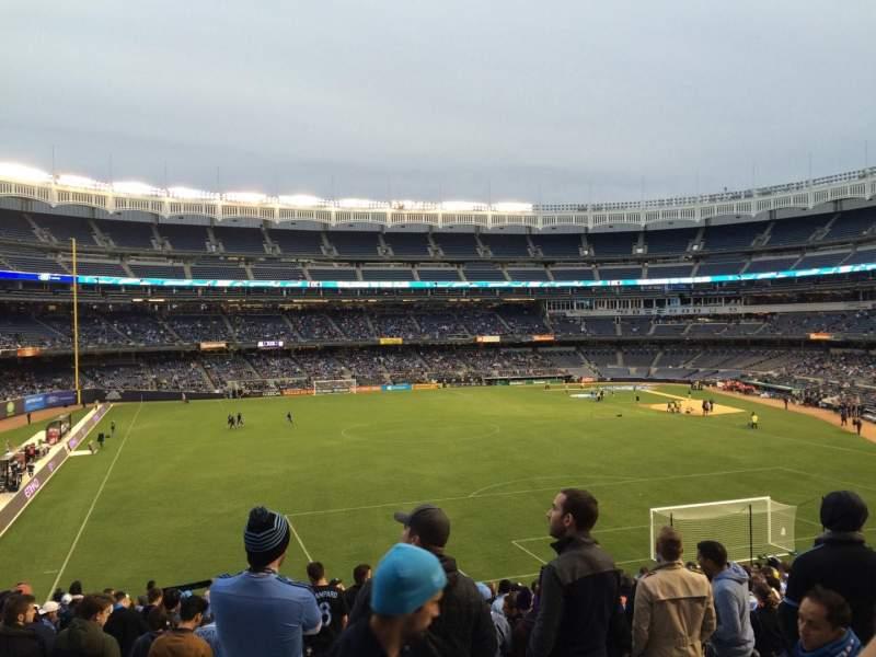 Yankee Stadium, vak: 237, rij: 20, stoel: Bleacher
