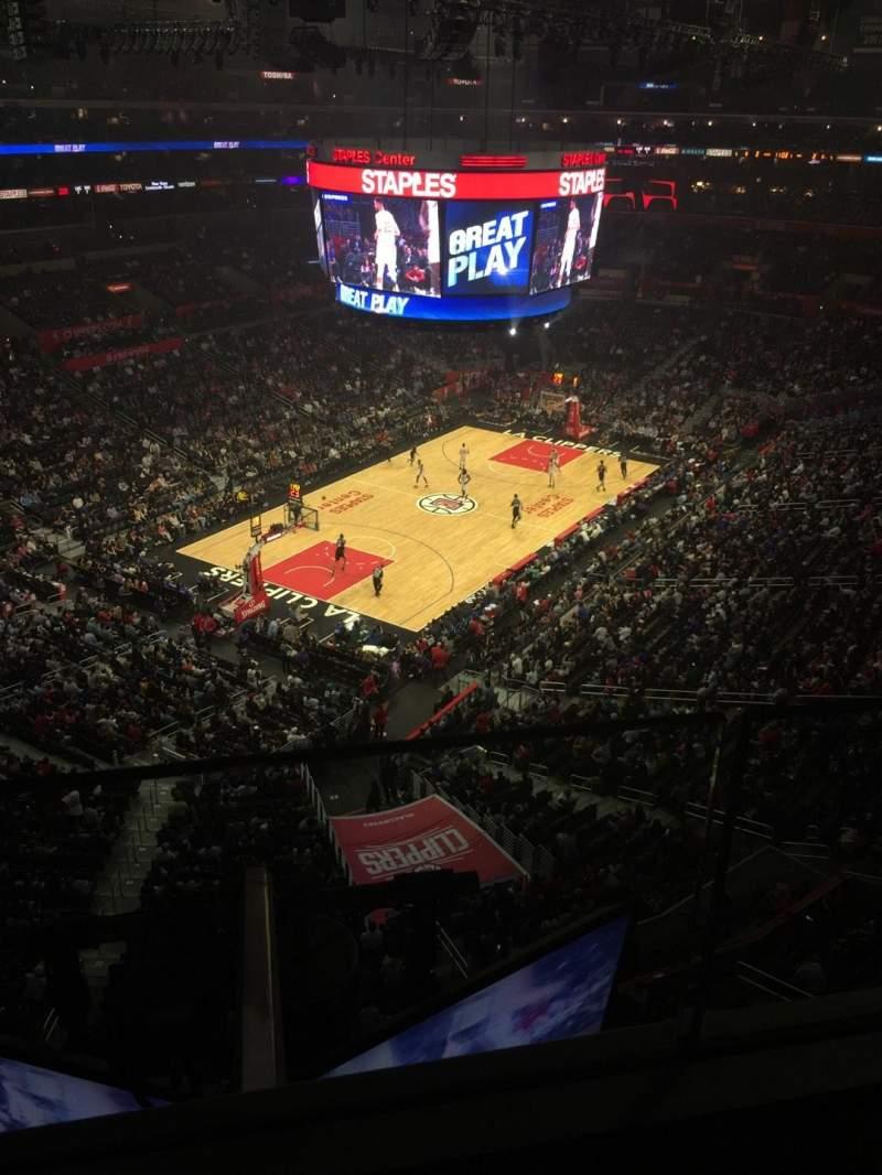 Staples Center, vak: 306, rij: 1, stoel: 6