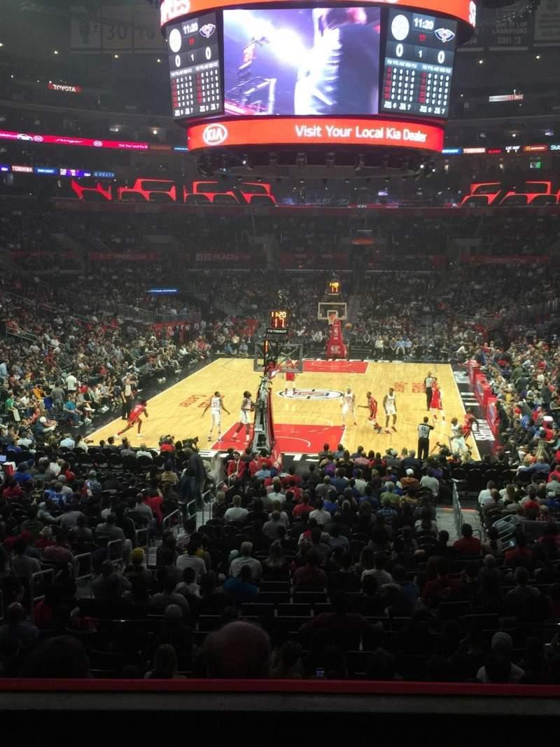 Staples Center, vak: 207, rij: 3, stoel: 6