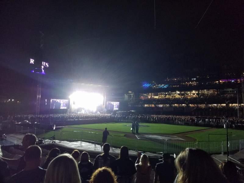 Coors Field, vak: 132, rij: 10, stoel: 1