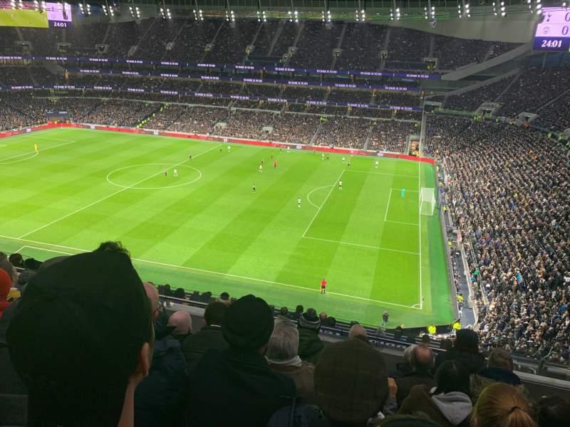 Uitzicht voor Tottenham Hotspur Stadium Vak 501 Rij 12 Stoel 65