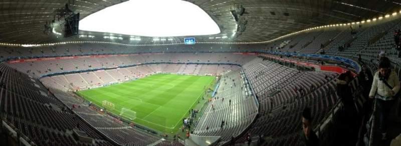 Uitzicht voor Allianz Arena Vak 345 Rij 1