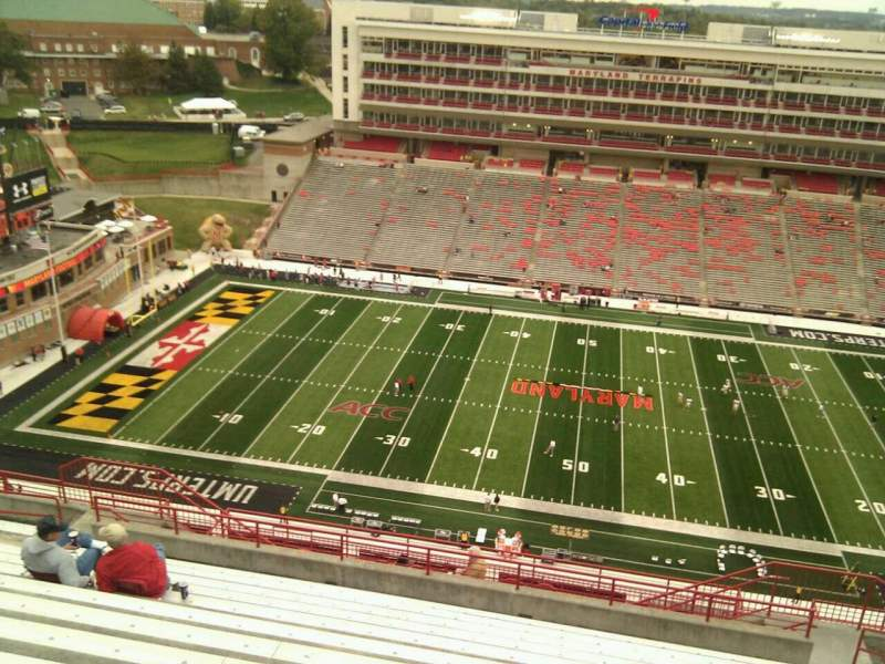 Maryland Stadium, vak: 306, rij: v, stoel: 17