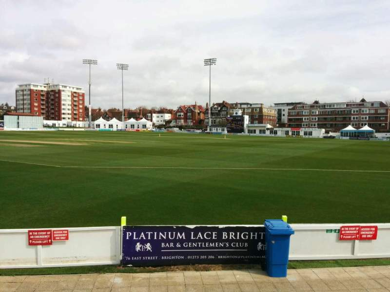County Cricket Ground (Hove), vak: D, rij: f, stoel: 63