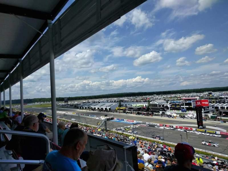 Pocono Raceway, vak: 319, rij: 4, stoel: 5