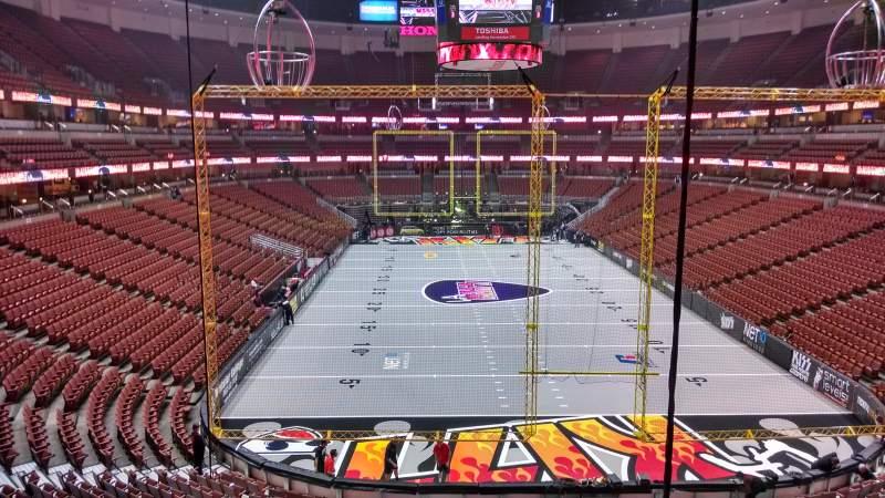 Honda Center, vak: 301, rij: C, stoel: 8