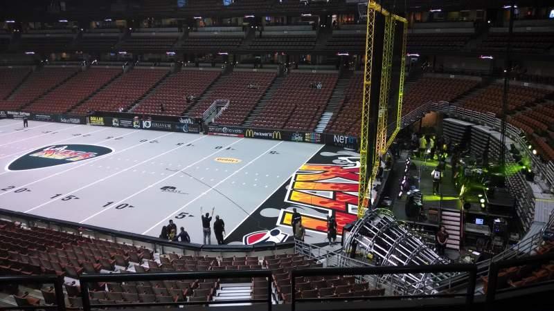 Honda Center, vak: 317, rij: C, stoel: 8