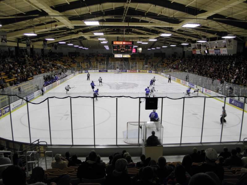 Uitzicht voor Lawson Ice Arena Vak 24 Rij 11 Stoel 25