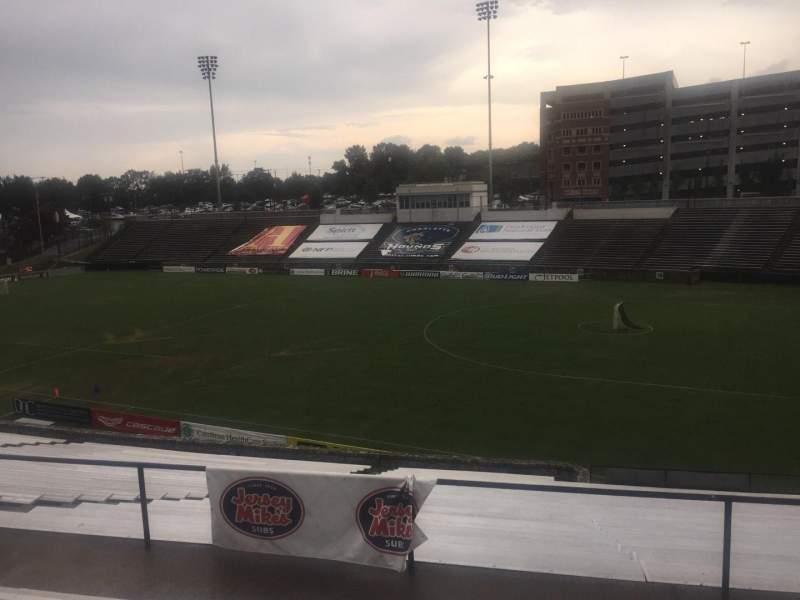 Uitzicht voor American Legion Memorial Stadium Vak 2 Rij FF Stoel 42