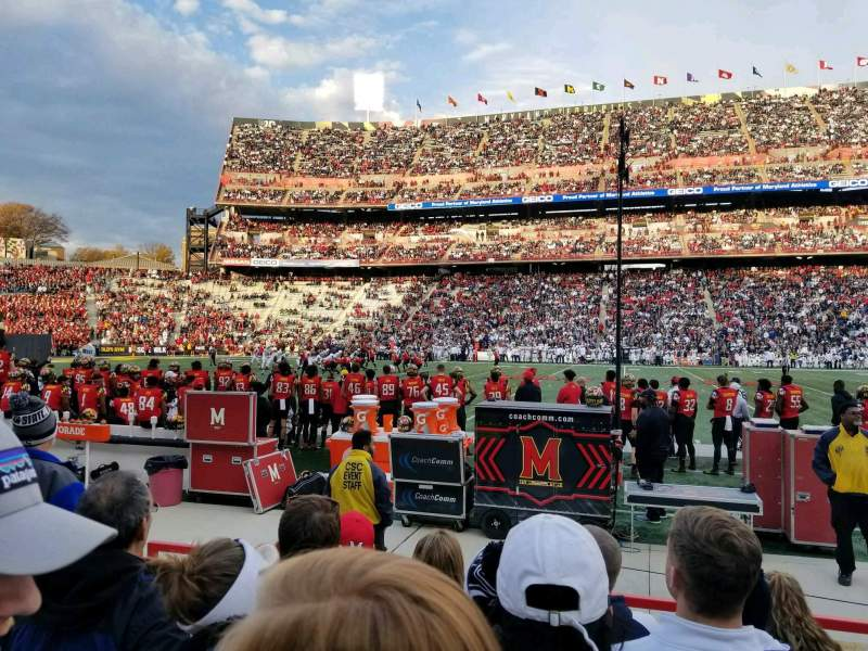 Maryland Stadium, vak: 25, rij: F, stoel: 8