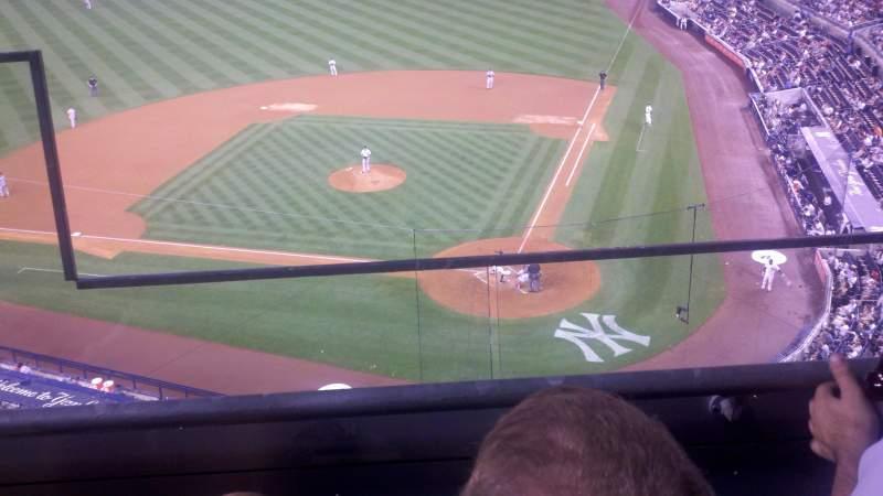 yankee stadium, vak: 321, rij: 2, stoel: 19