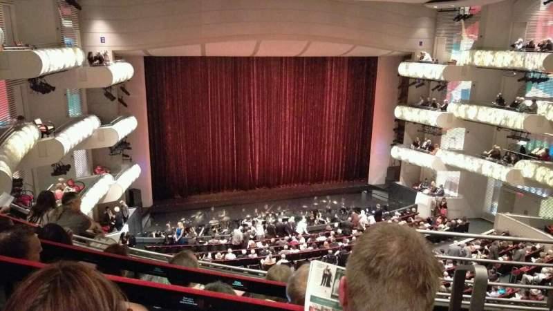 Kauffman Center for Performing Arts, vak: Grand Tier Left, rij: EEE, stoel: 916