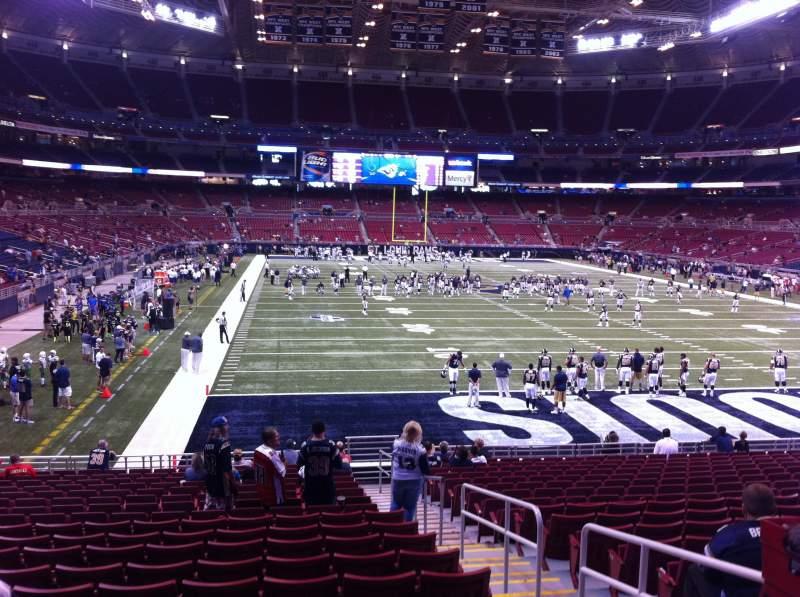 Uitzicht voor The Dome at America's Center Vak 130 Rij U Stoel 2