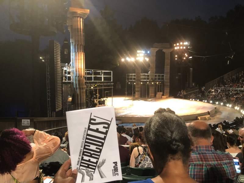 Uitzicht voor The Delacorte Theater in Central Park Vak O Rij N Stoel 511