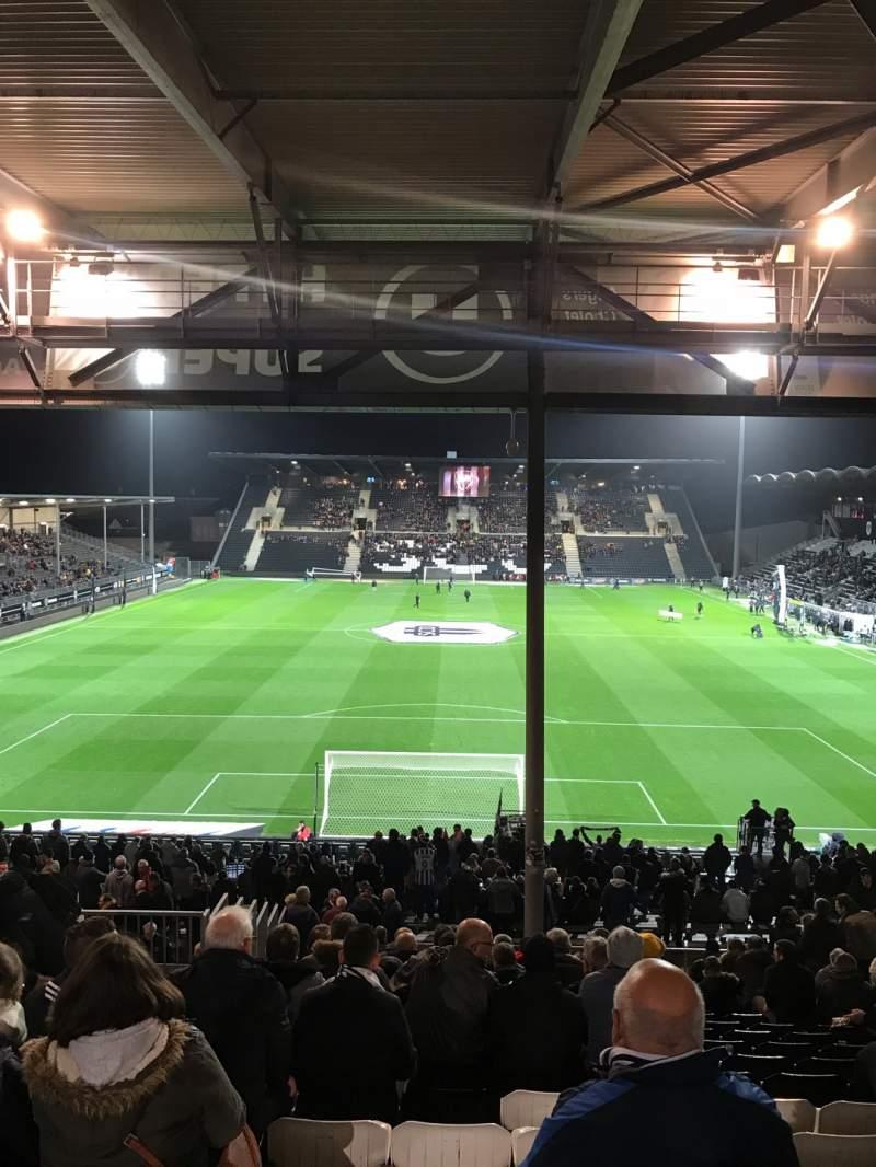 Uitzicht voor Stade Raymond Kopa Vak Coubertin Rij AG Stoel 92